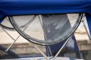 Клапан с москитной сеткой для боковых шторок стояночного тента